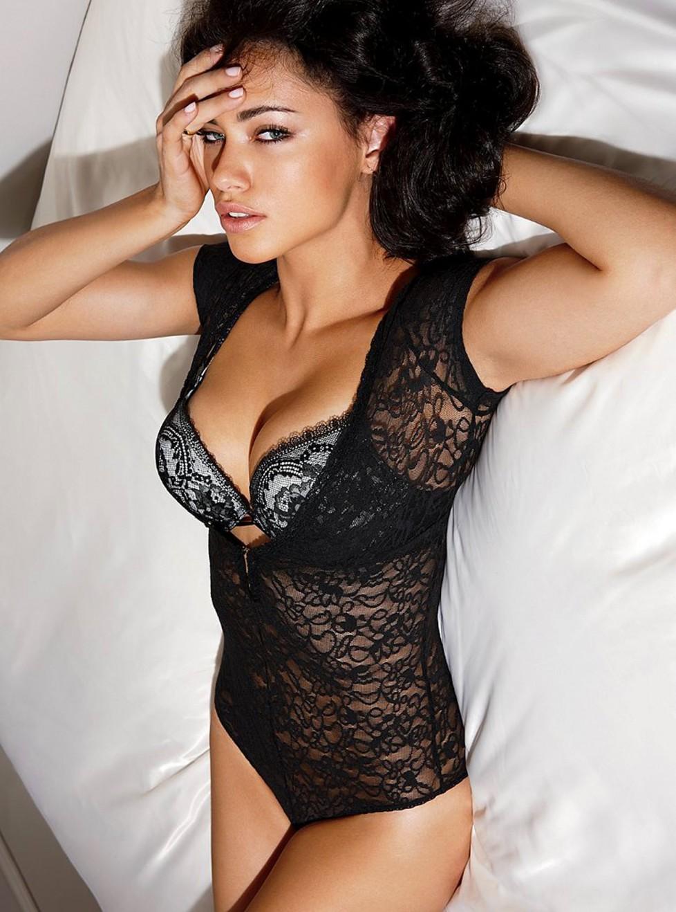 Adriana-Lima-10