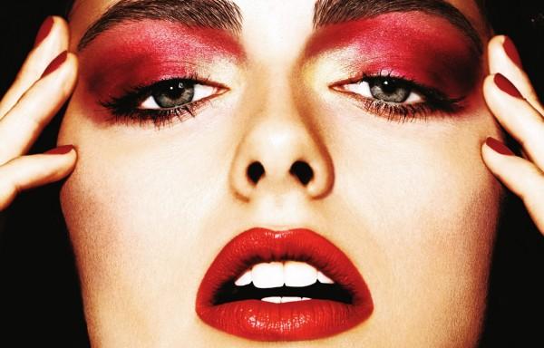 эффектный-макияж-красные-тени