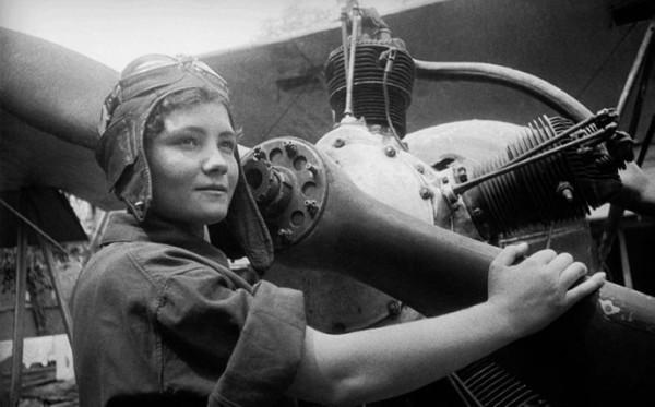 У войны не женское лицо Светлана Алексиевич