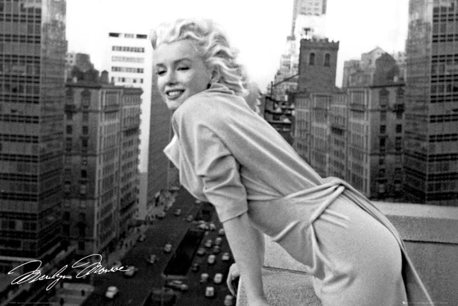 Marilyn-Monroe-Balcony-Maxi-Poster-61-cm-x-91.5-cm-MAIN