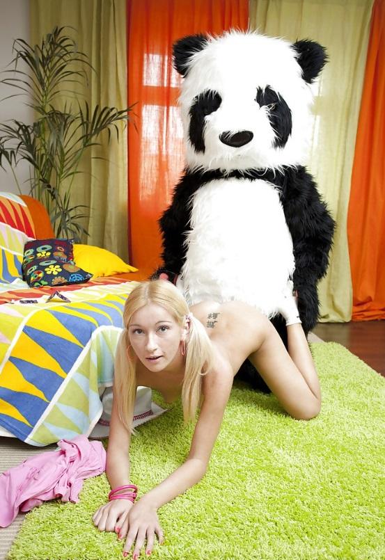 Руски девочка трахаеть фото 16-340