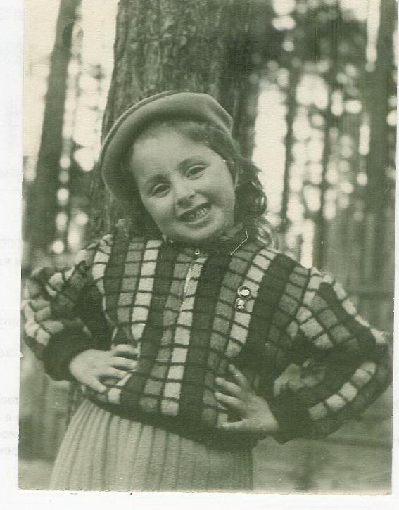 Лора 7 лет