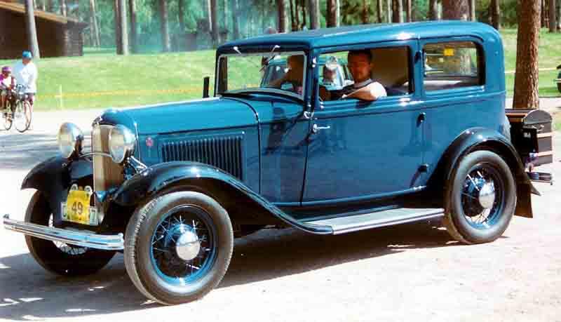 1932_Ford_Model_B_55_Standard_Tudor_Sedan_CXXXX7