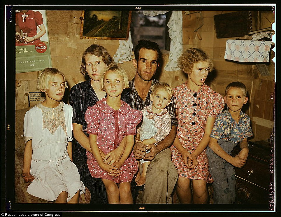 ретро фото Jack Whinery and his family, homesteaders, Pie Town, New Mexico