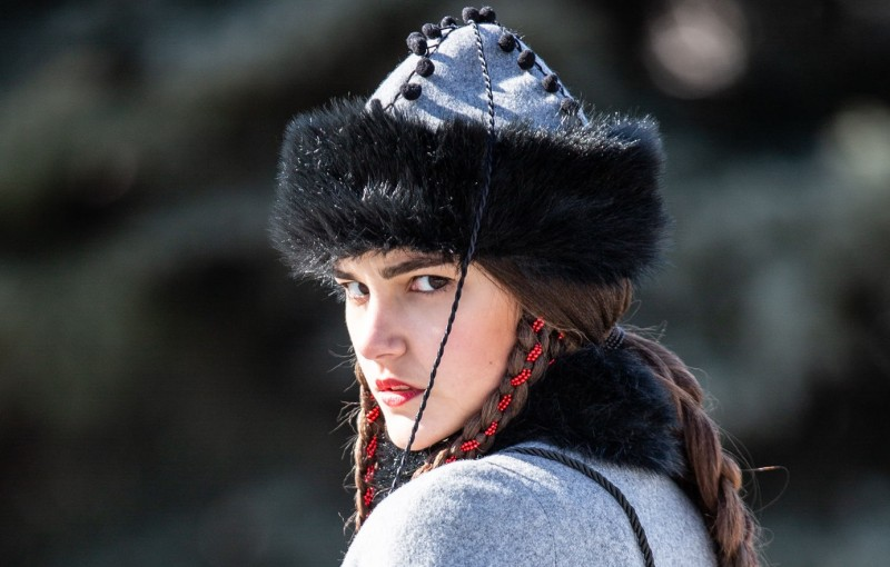 balkan-inspired-fantasy-woolen-coat-queen-of-shamakhan-12