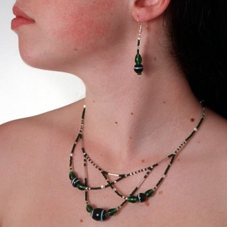 The Belenen necklace in green & silver ((design ©Belenen))
