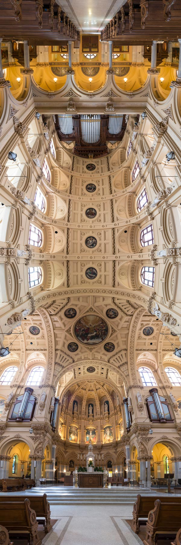 vertical-panoramas-of-church-ceilings-1