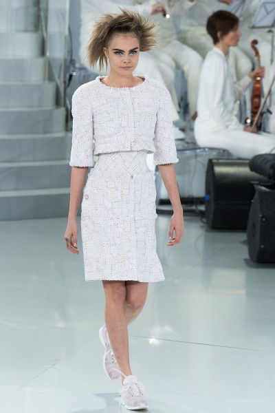 chanel-spring-2014-couture-runway-01_205653353953
