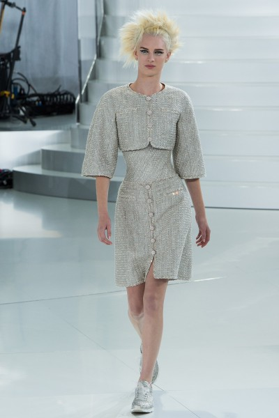 chanel-spring-2014-couture-runway-02_205654344783