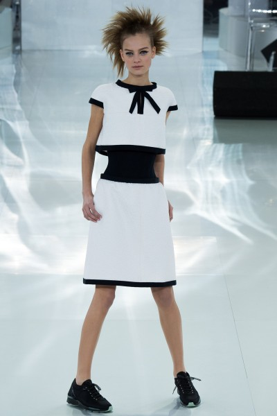 chanel-spring-2014-couture-runway-08_205658781658