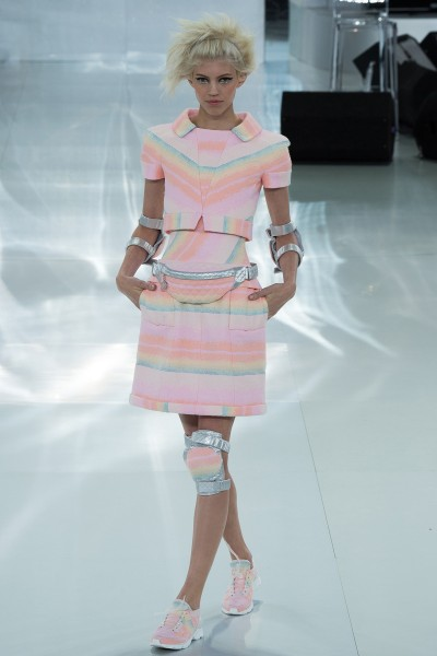 chanel-spring-2014-couture-runway-16_20570588053