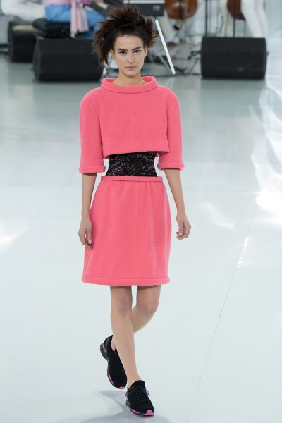 chanel-spring-2014-couture-runway-21_205709261013