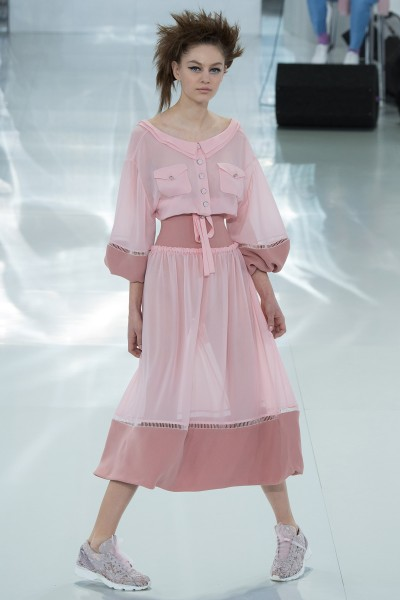 chanel-spring-2014-couture-runway-26_205713370637