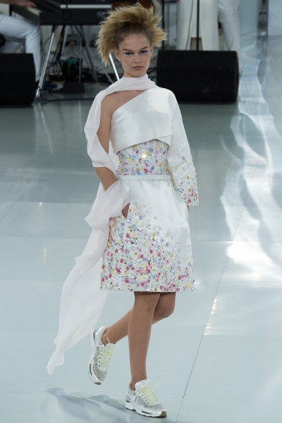 chanel-spring-2014-couture-runway-37_205721661029