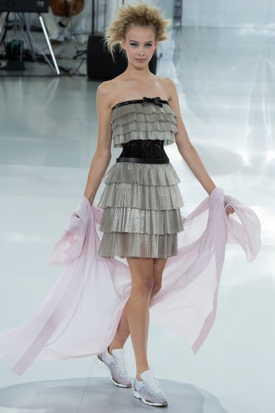 chanel-spring-2014-couture-runway-40_205724798429