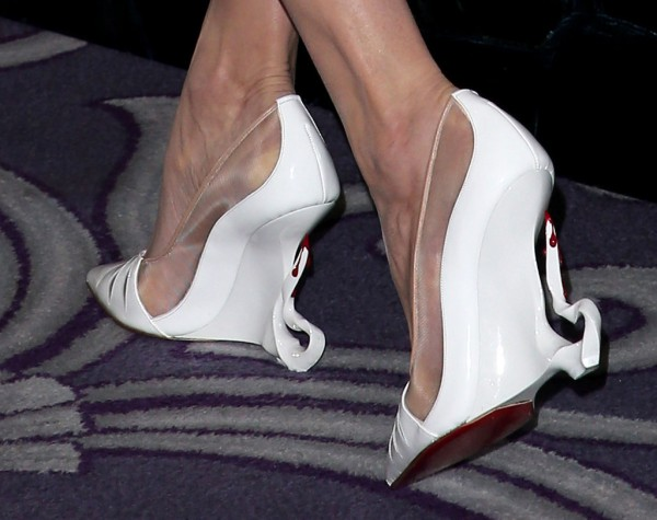 Angelina-Jolie-Shoes-Maleficent-Photocall6