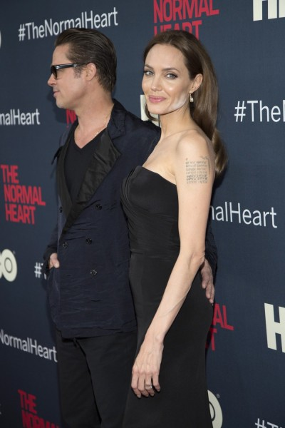 446336-brad-pitt-and-angelina-jolie