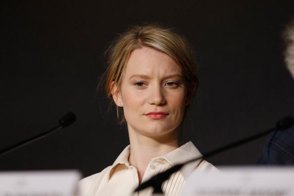 Mia Wasikowska1