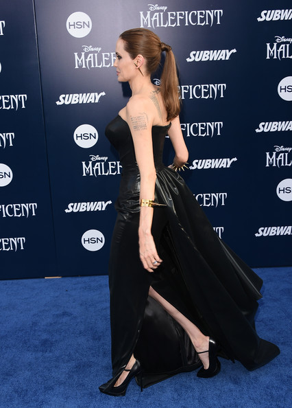 Angelina Jolie32