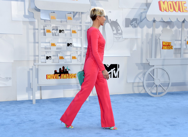 Scarlett Johansson1.jpg