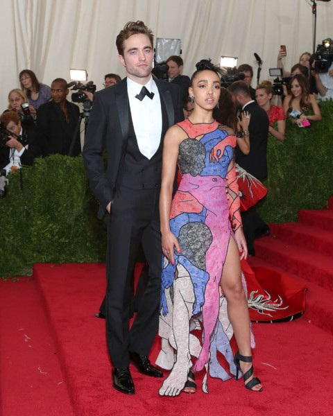 twigs-pattinson-met-05may15-02.jpg