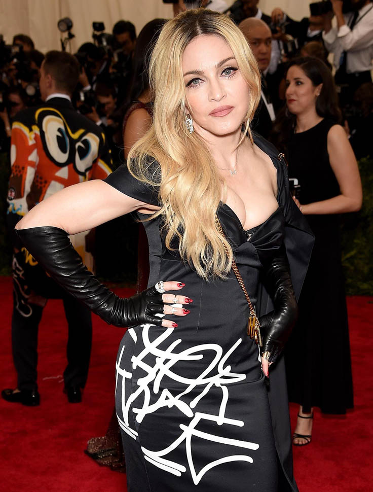 madonna-perry-met-05may15-11.jpg