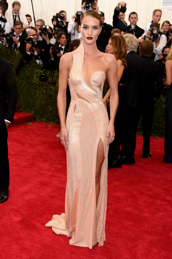 Rosie-Huntington-Whiteley-Met-Gala-2015-682x1024.jpg