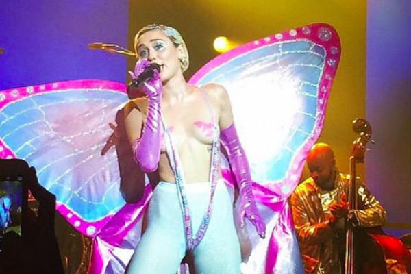 Miley-Cyrus-Adult-Swim.jpg