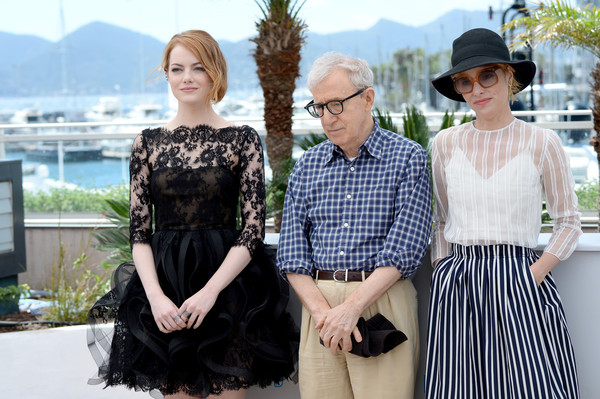 Woody Allen, Parker Posey, Emma Stone1.jpg