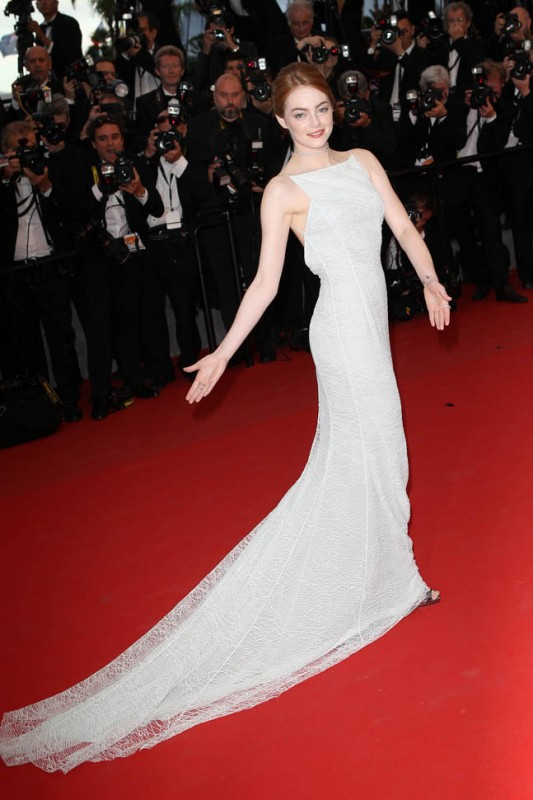 emma-stone-cannes-white-15may15-11.jpg