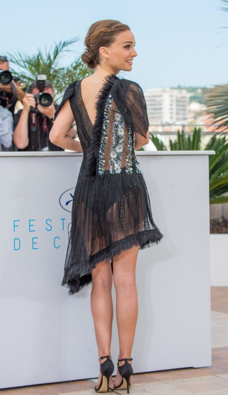 Natalie-Portman-A-Tale-of-Love-and-Darkness-Photocall-in-Cannes-6.jpg