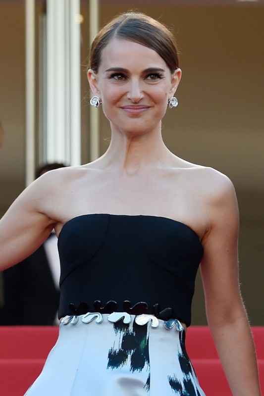 natalie-portman-at-a-tale-of-love-and-darkness-premiere-at-cannes-film-festival_1.jpg