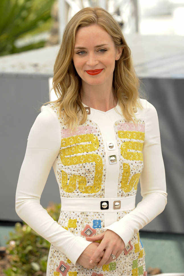 emily-blunt-cannes-19may15-08.jpg