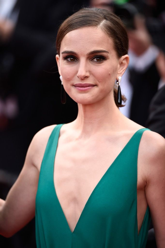Natalie-Portman-at-the-Premiere-of-Sicario-in-Cannes-4.jpg