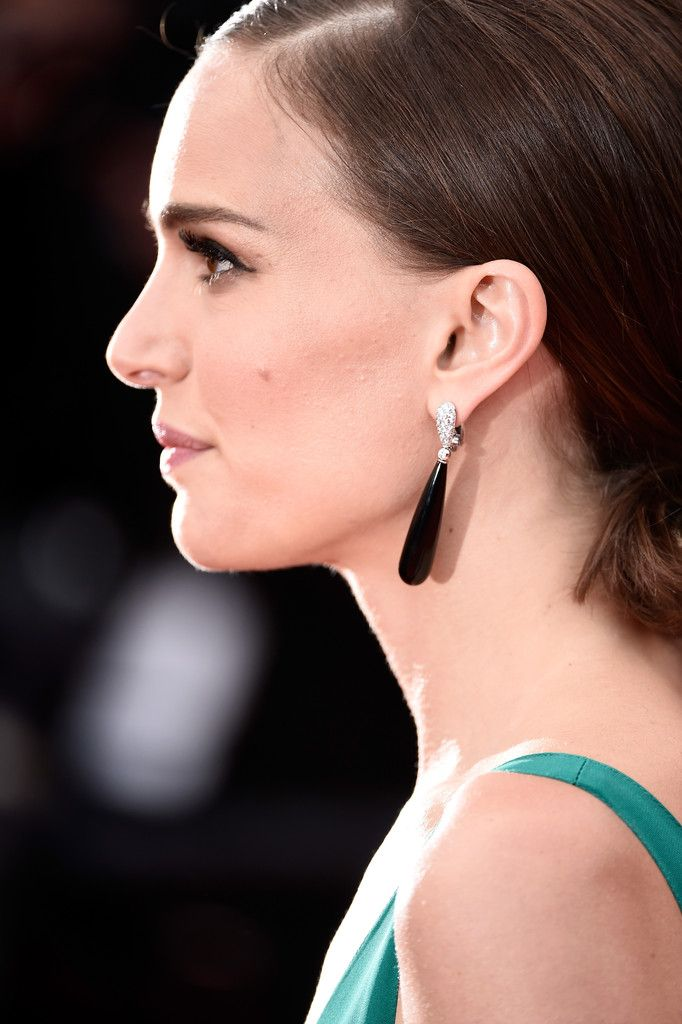 Natalie-Portman-at-the-Premiere-of-Sicario-in-Cannes-5.jpg