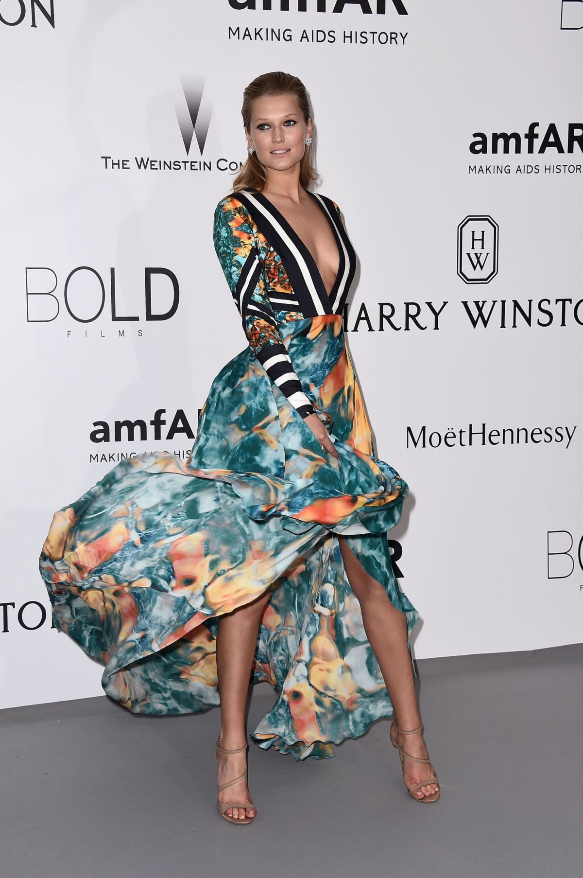 toni-garrn-amfar-s-22nd-cinema-against-aids-gala-antibes-may-21-2015-s-e246994312d92077fb51e7a2f9de2a36_4.jpg