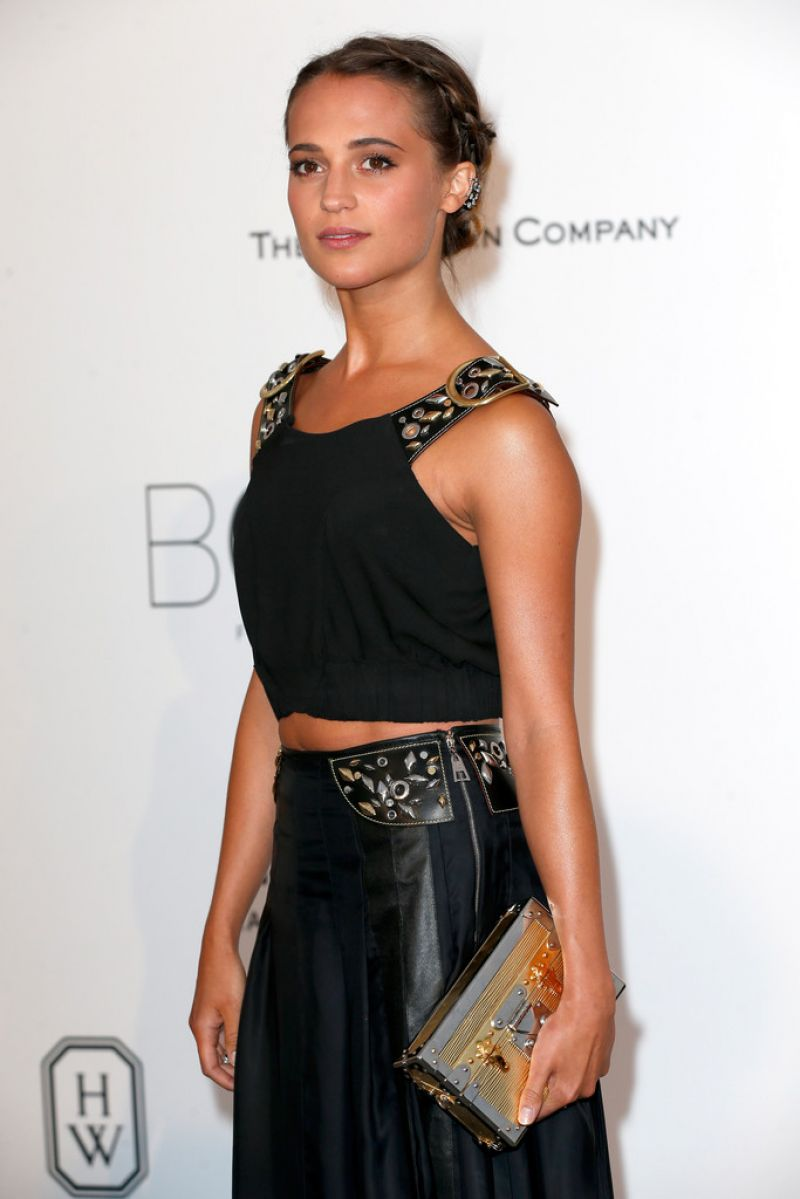 alicia-vikander-at-amfar-s-2015-cinema-against-aids-gala-in-cap-d-antibes_1.jpg