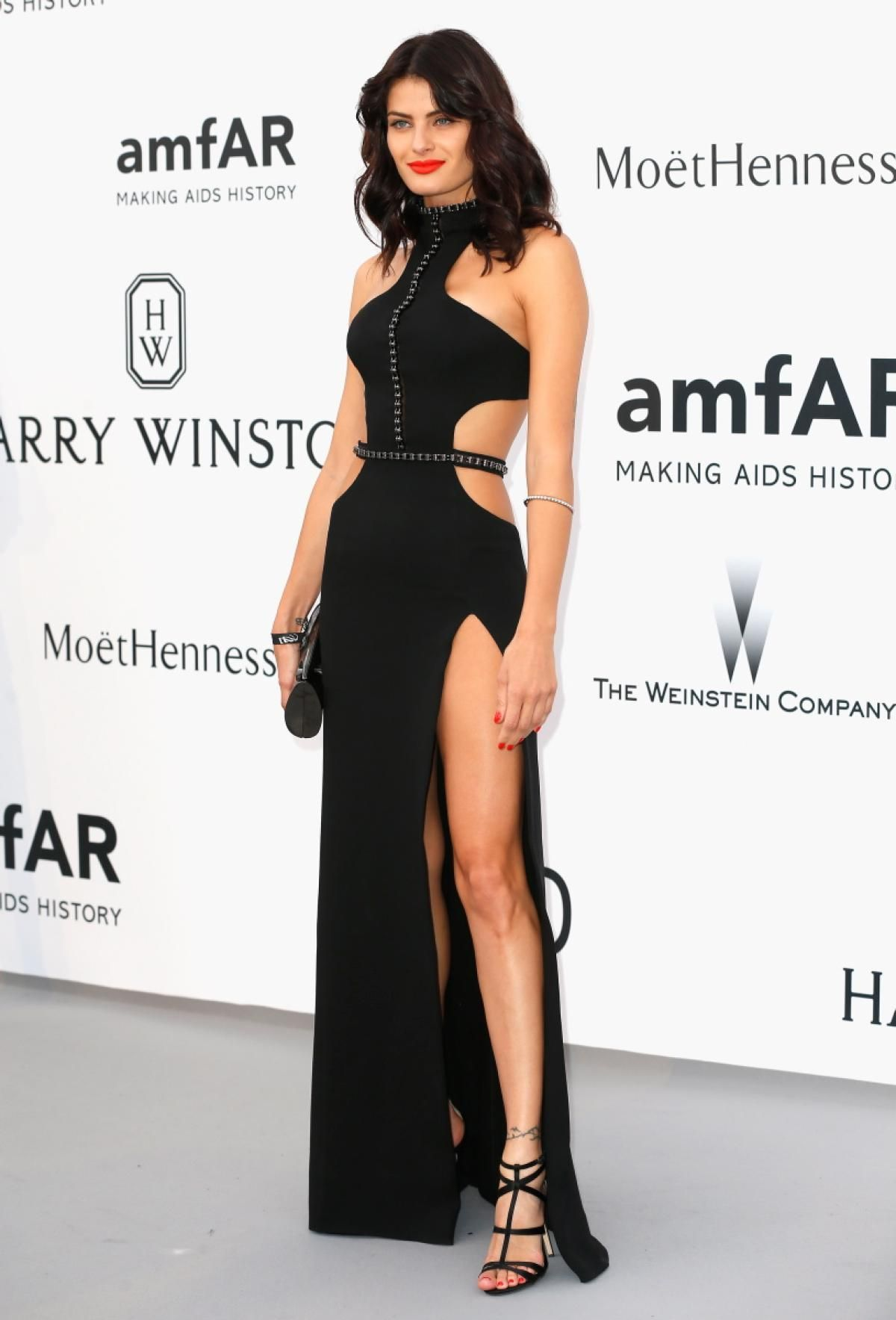 isabeli-fontana-at-amfar-s-2015-cinema-against-aids-gala-in-cap-d-antibes_1.jpg