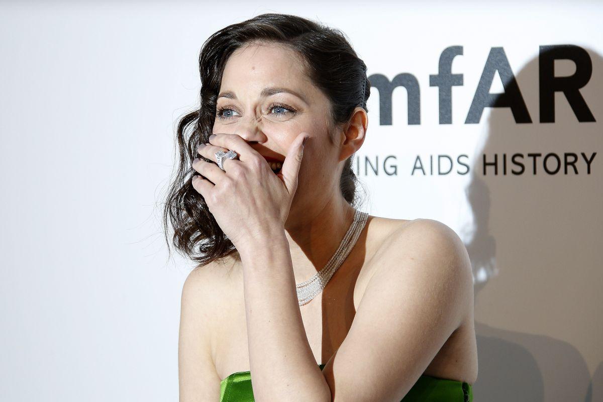 marion-cotillard-at-amfar-s-2015-cinema-against-aids-gala-in-cap-d-antibes_9.jpg