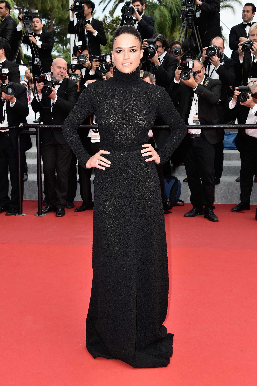 Фото актрис в прозрачных платьях 15 фотография
