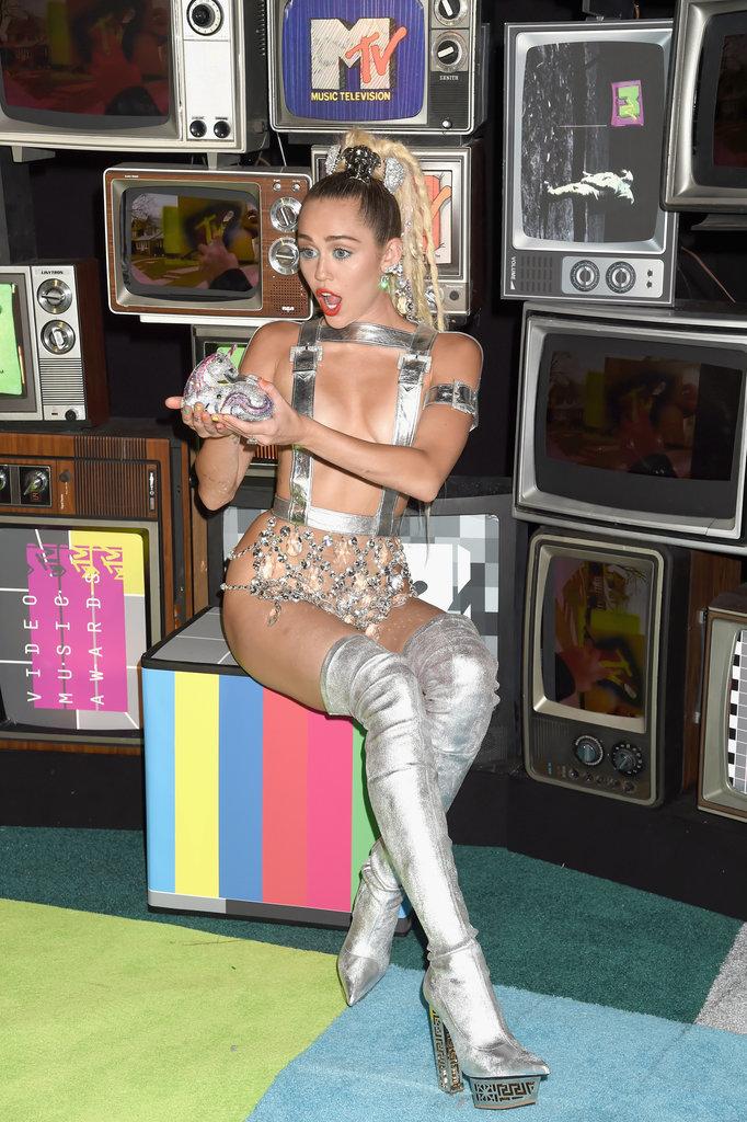 Miley-Cyrus-MTV-VMAs-2015-Pictures1.jpg