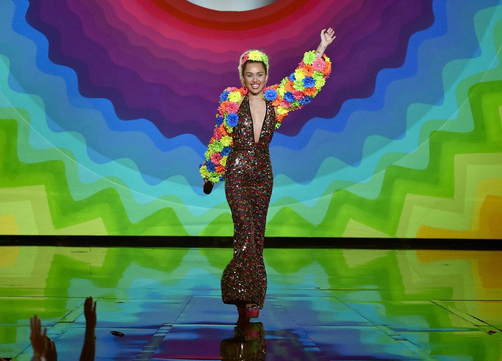 Miley-Cyrus-MTV-VMAs-2015-Pictures6.jpg