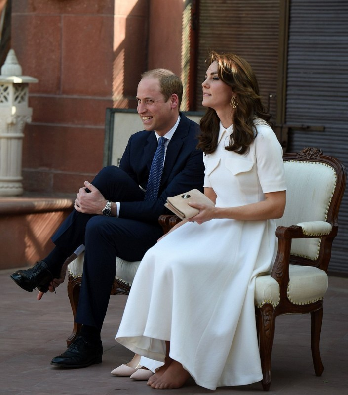 330F3CBE00000578-3533978-The_Duchess_who_is_on_a_seven_day_official_visit_to_India_and_Bh-a-31_1460386010575.jpg