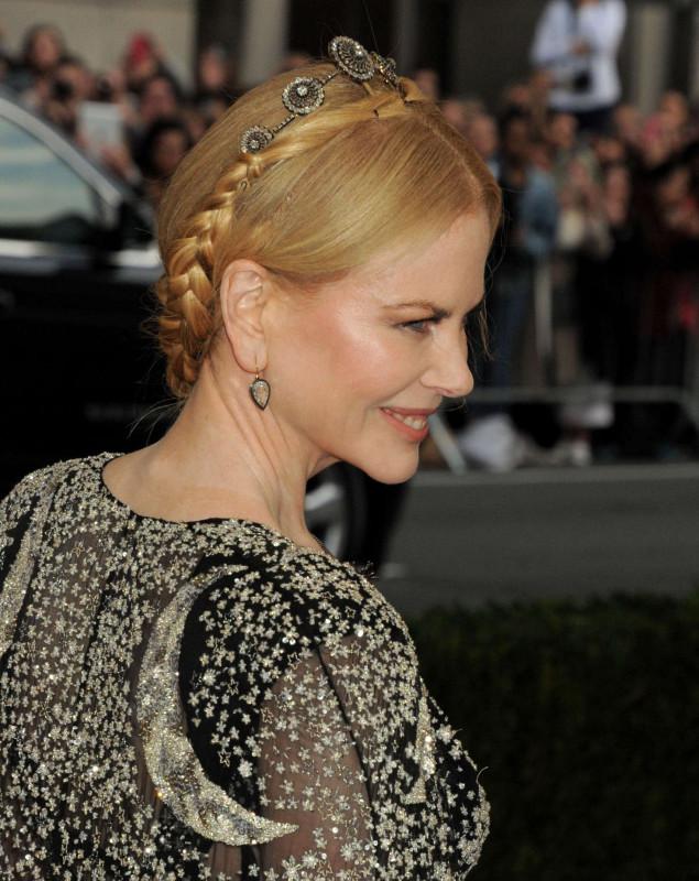 Nicole-Kidman--2016-Met-Gala-in-NYC--04.jpg