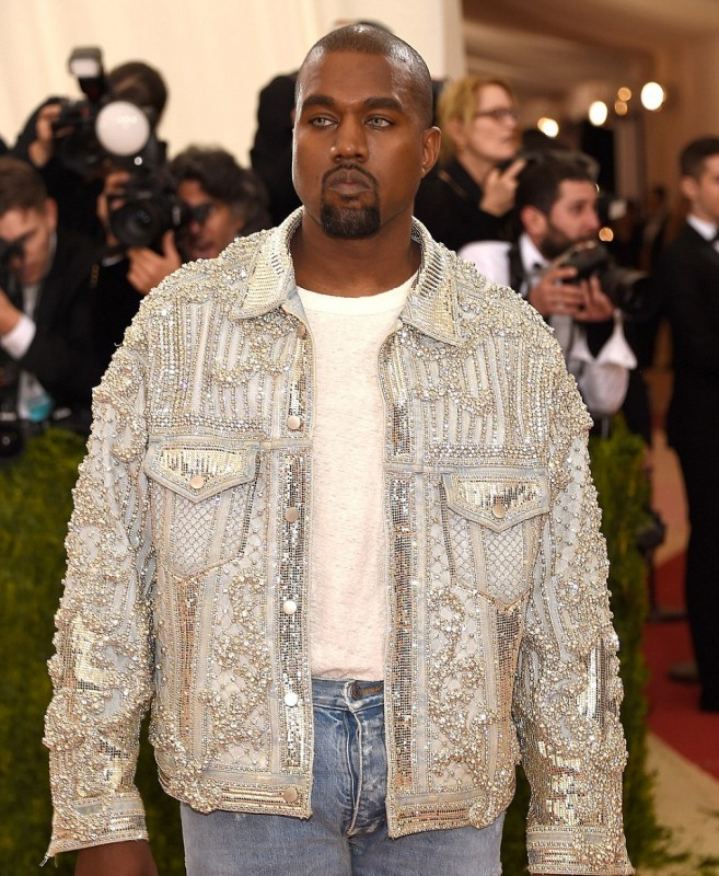 33C291EE00000578-3570313-Bedazzled_Kanye_looked_inappropriately_casual_in_a_blinged_out_d-a-26_1462291403290.jpg