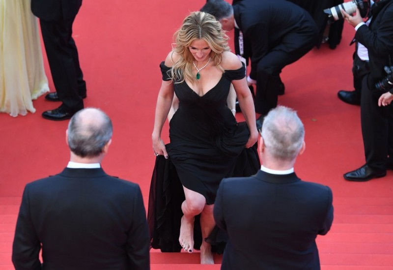 Julia-Roberts-Shoes-Cannes-Red-Carpet-2016-2.jpg