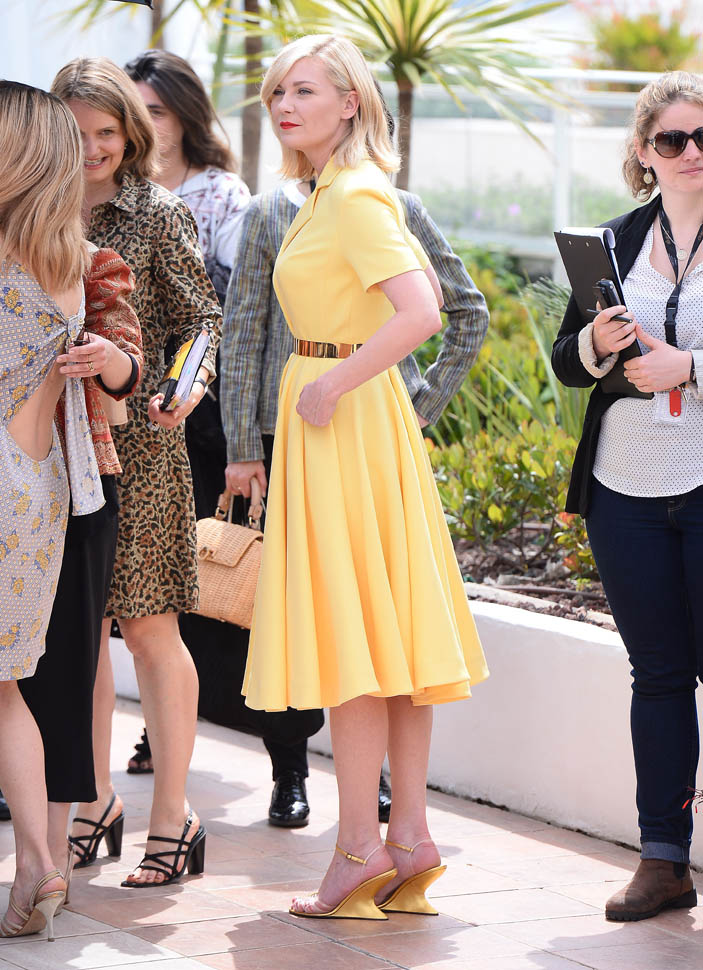 kiki-yellow-cannes-11may16-03.jpg