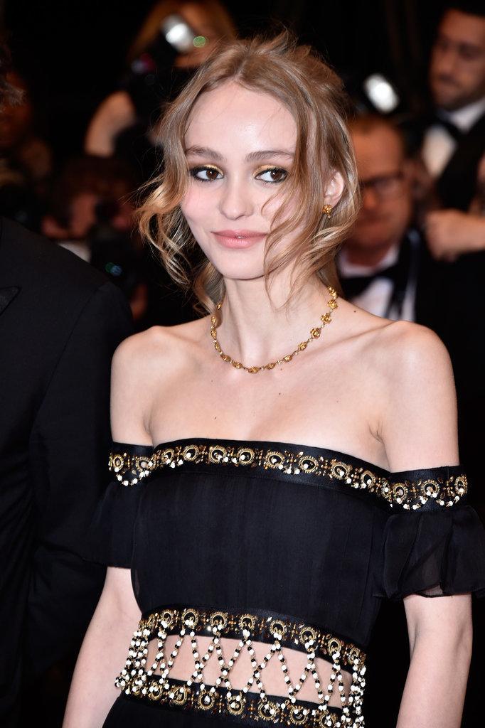 Lily-Rose-Depp-Vanessa-Paradis-Cannes-Film-Festival-2016.jpg