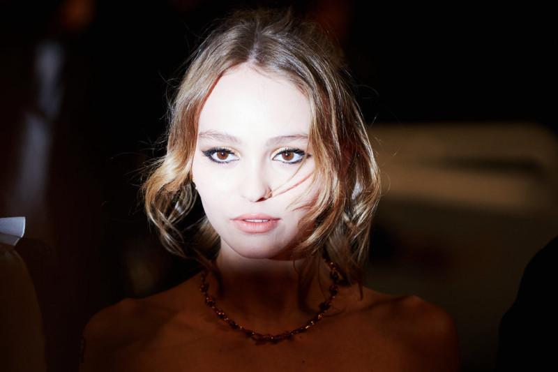 Lily-Rose-Depp-Vanessa-Paradis-Cannes-Film-Festival-2016-4.jpg