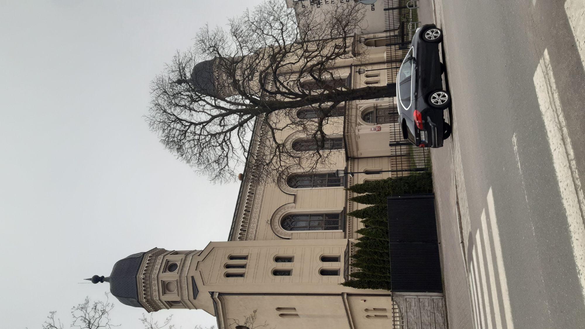А это - бывшая синагога. Сейчас там филиал Вроцлавского университета